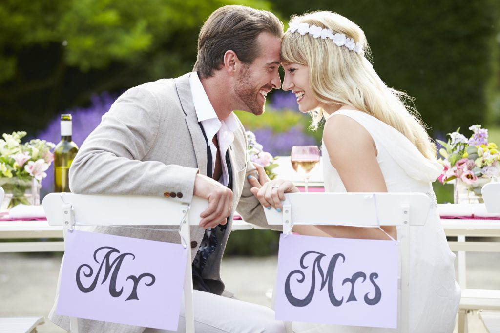 5 Reasons Why Food Trucks Are Popular for Weddings