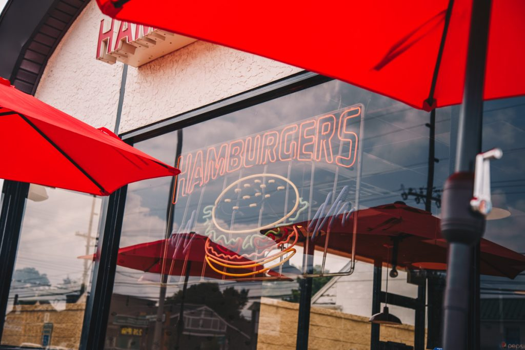 2 Types of Franchises For Sale to Consider in a Recession